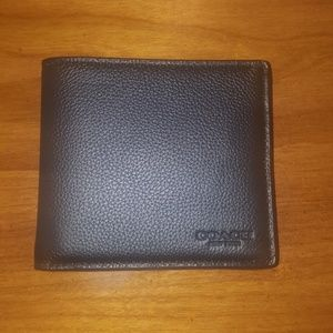 *Sale*Coach Double Billfold Wallet